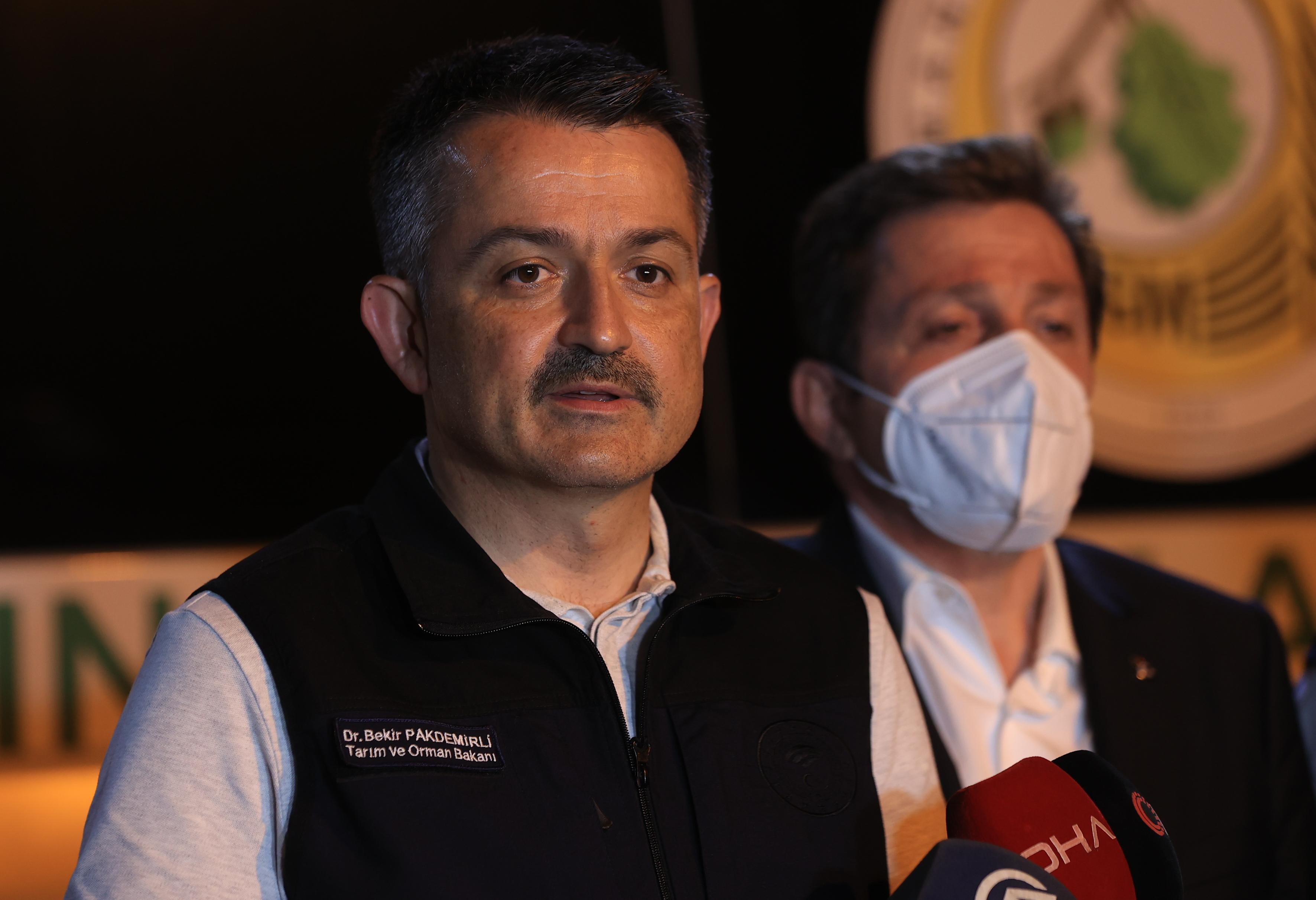 Bakan Pakdemirli güzel haberi verdi! İşte Antalya ve Mersin'de çıkan orman yangınlarında son durum
