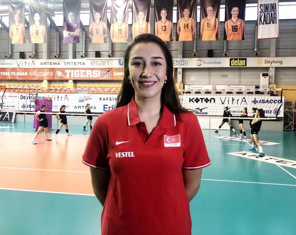 Milli voleybolcu Hande Baladın kimdir, nereli, kaç yaşında, hangi takımda oynuyor?