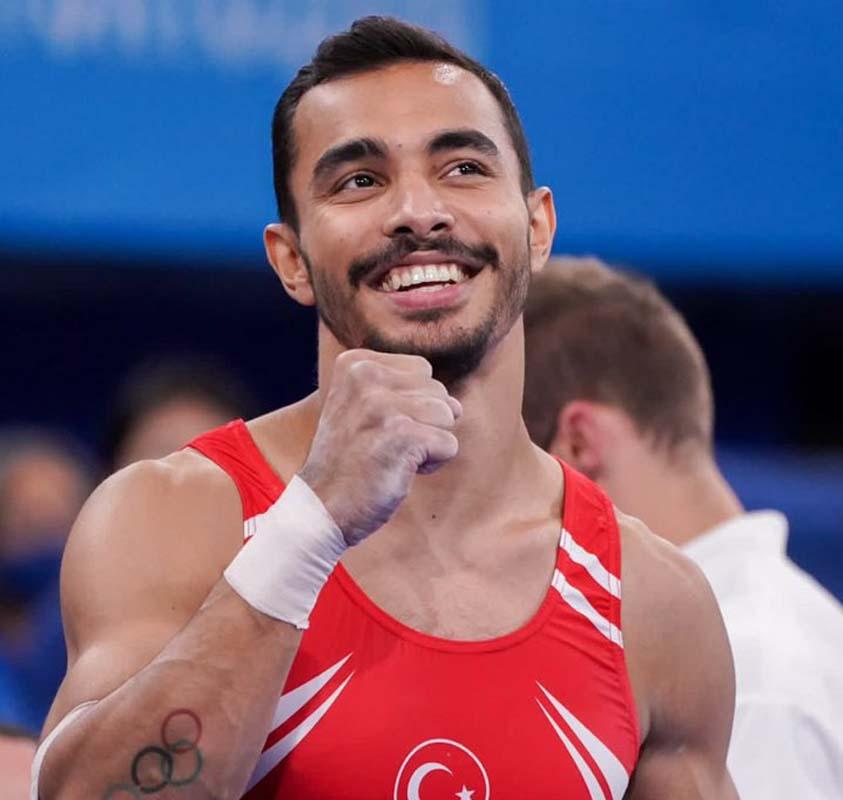 Milli cimnastikcimiz Ferhat Arıcan Tokyo Olimpiyatları'ndan madalya ile dönüyor!