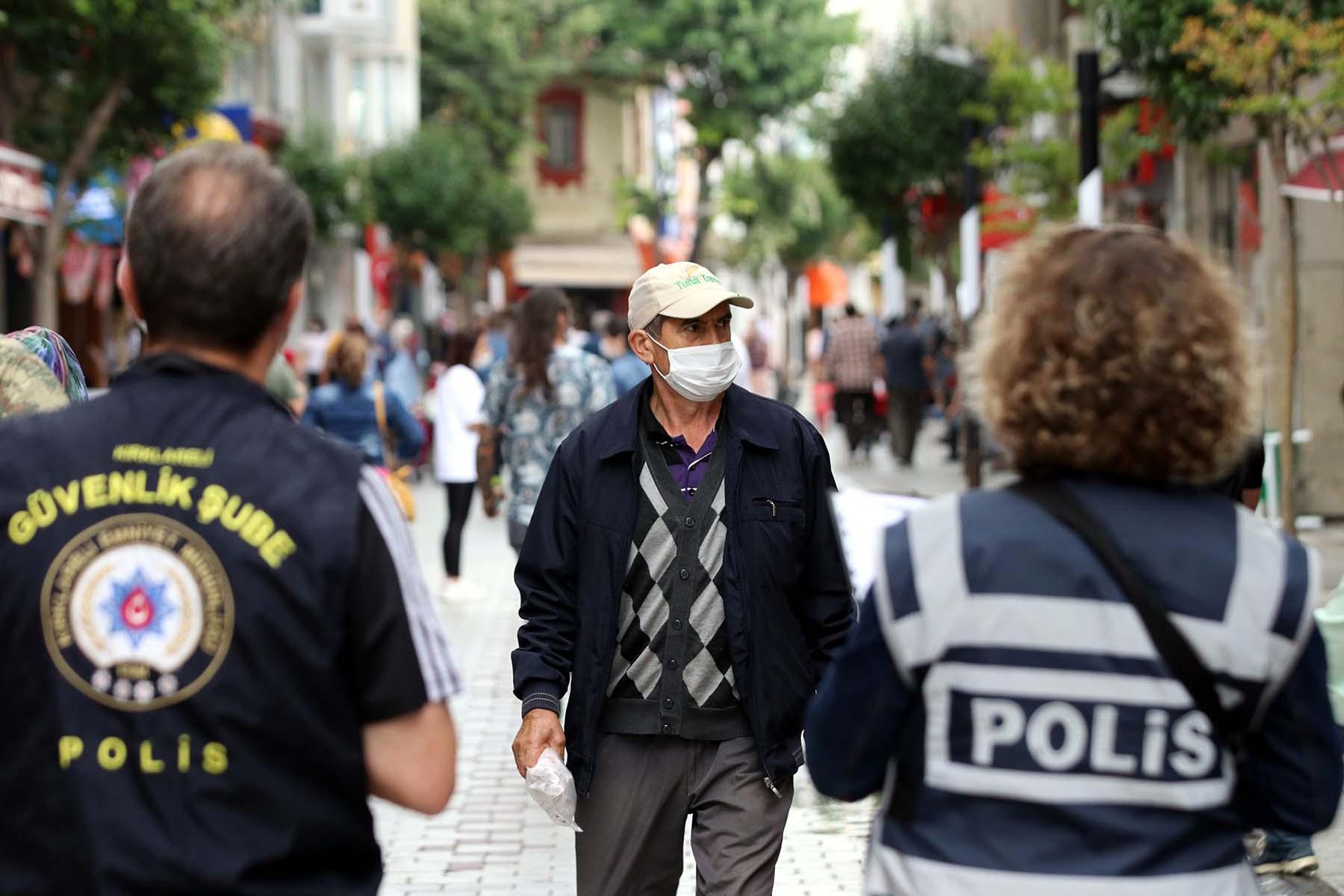 Rakamlar iç açıcı değil! Prof. Dr. Mehmet Ceyhan Dalganın çıkış kolundayız dedi, Türkiye'deki gerçek vaka sayısını açıkladı!