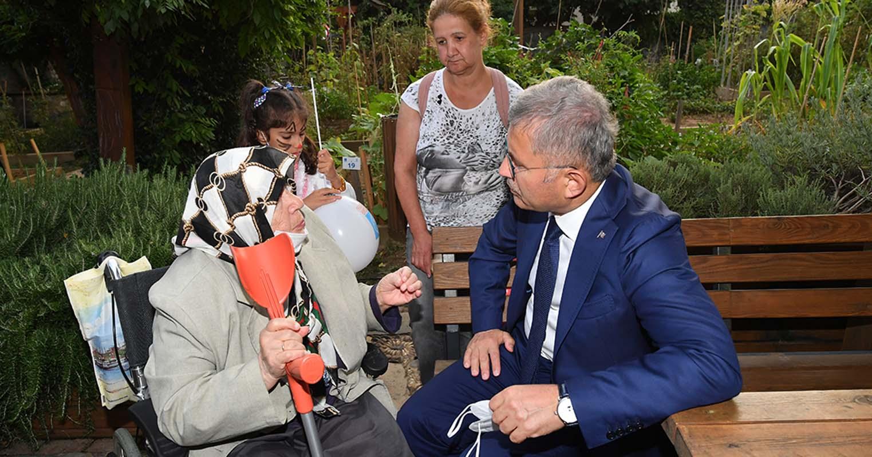 Üsküdar geleneksel beş çayı buluşmalarının yeni durağı İmrahor Bostanı oldu!