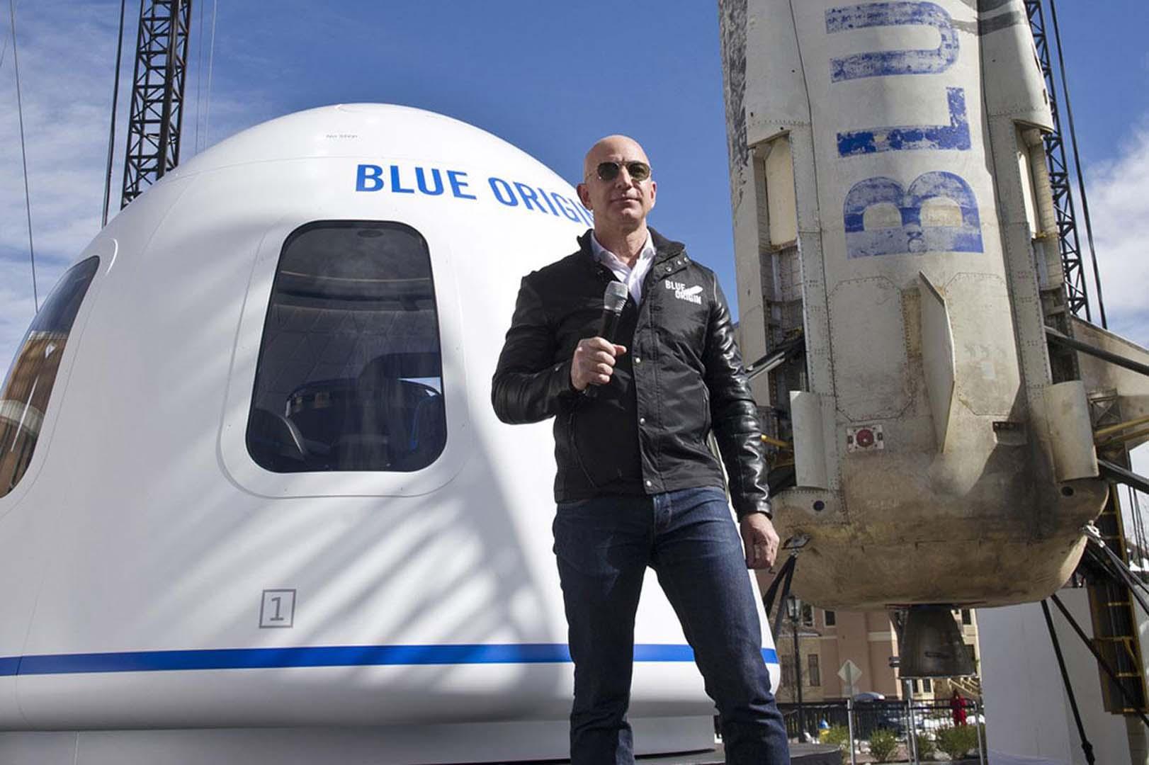 Uzay turizmi başladı! Space X dünya çevresinde tur attıracak