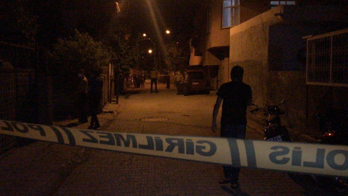 Adana'da düğünde kız ve erkek tarafı birbirine girdi! Silahla dehşet saçıldı! 6 yaralı