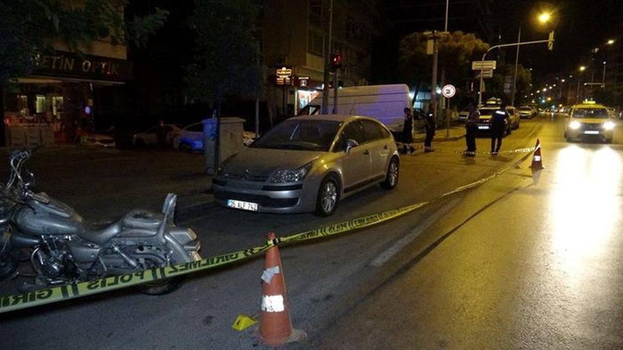 İzmir'de alacak-verecek kavgasında kan döküldü! 1 ölü, 2 yaralı!