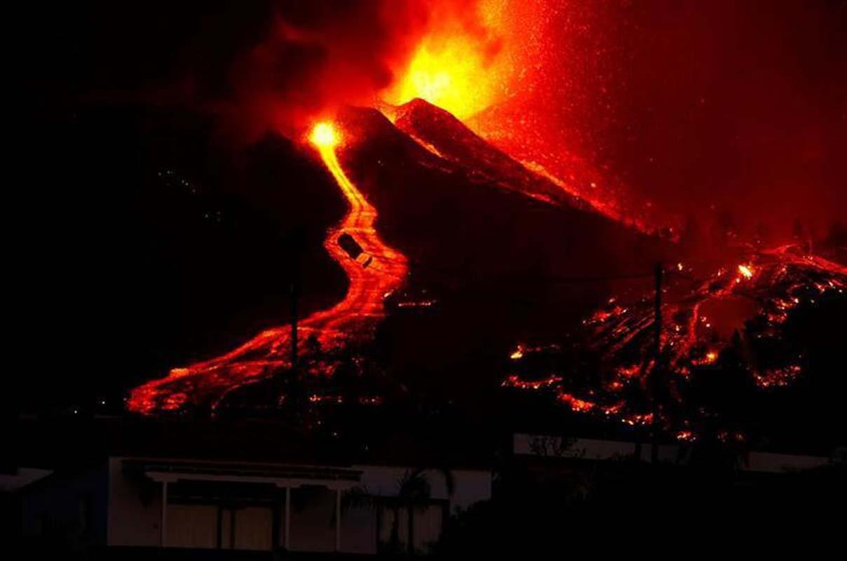 Korkunç yanardağ felaketi! 100'den fazla evi yok etti, 5 binden fazla kişi tahliye edildi!