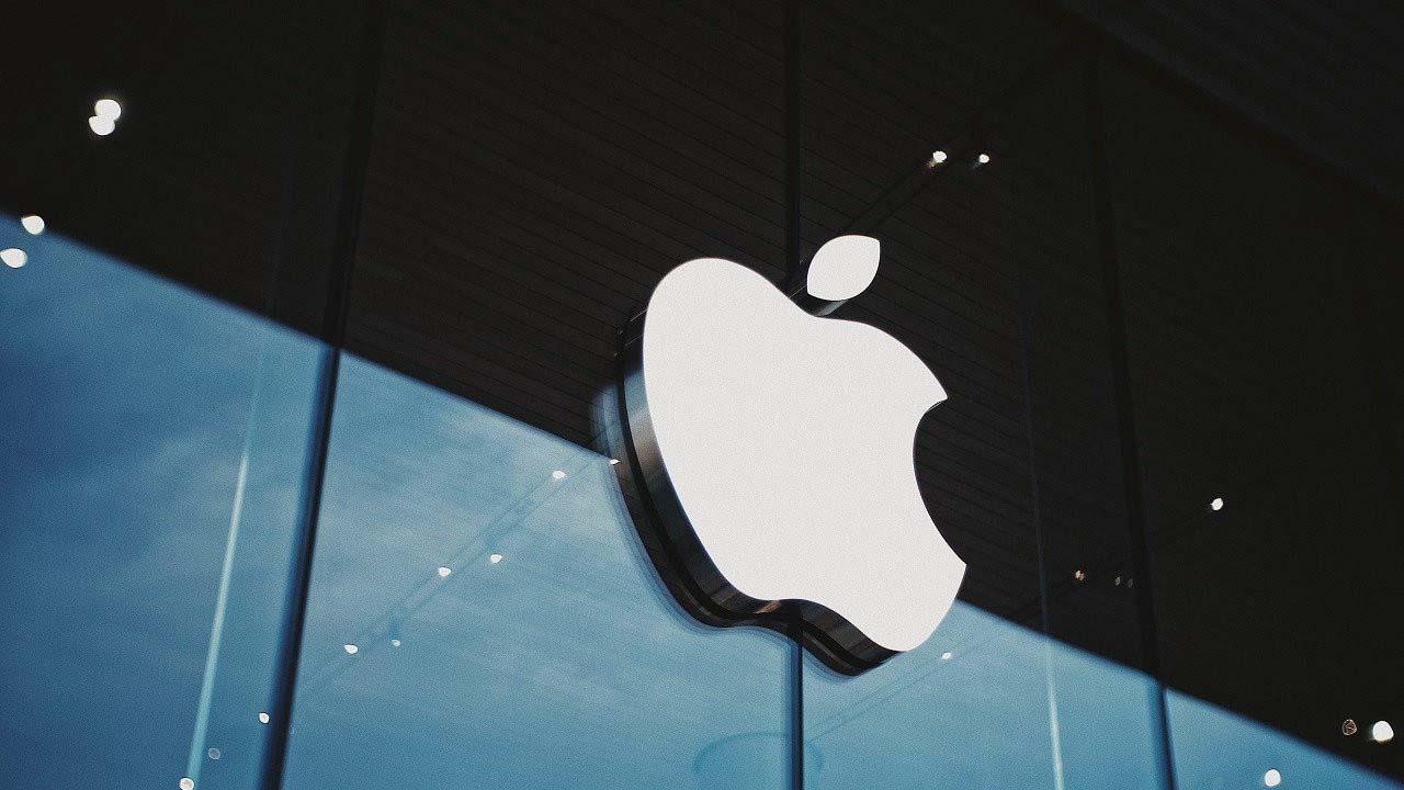 Teknoloji devleri karşı karşıya! Apple, Facebook'u tehdit etti!