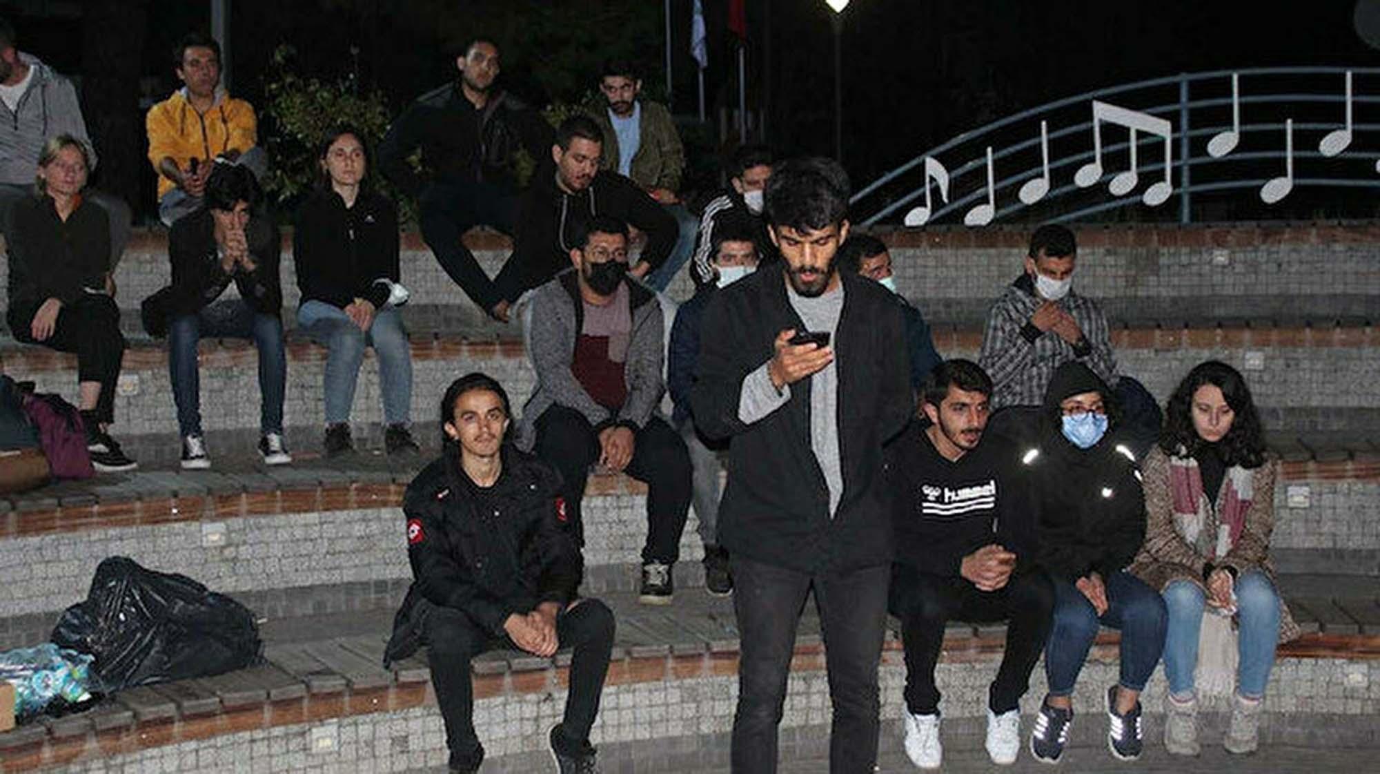 Barınamıyoruz dediler provokatör çıktılar! İçişleri Bakanlığı'ndan barınamıyoruz ve yurtsuzlar sloganları ile yapılan eylemlere ilişkin açıklama geldi!