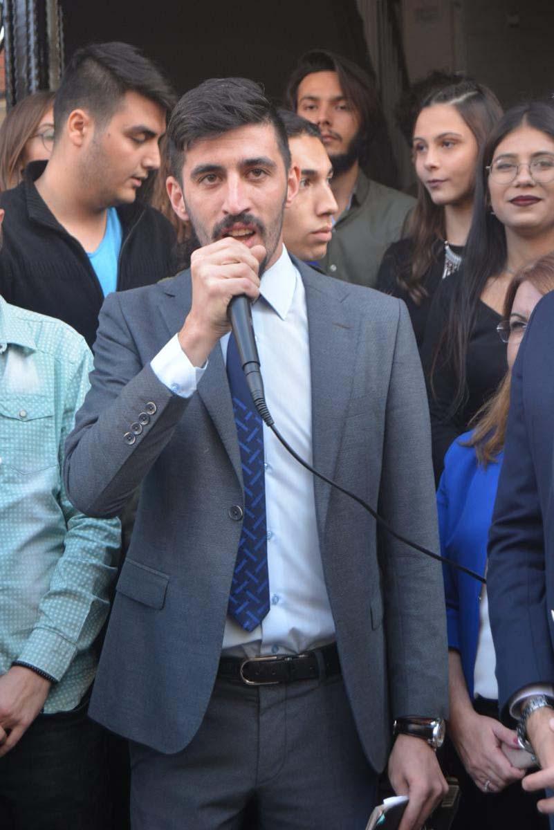CHP Denizli Gençlik Kolları Başkanı'ndan Cumhurbaşkanı Erdoğan'a yönelik hakaret: ''Makamına Erdoğan'ın resmini asanın kafasını kırarız!''