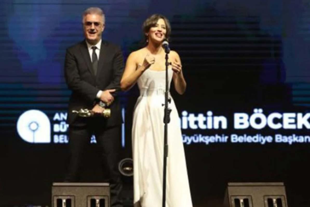 Pınar Altuğ da Tamer Karadağlı - Nihal Yalçın tartışmasına katıldı! Eski partnerine övgüler yağdırdı! Kim olsa arkada direk gibi beklemek istemez