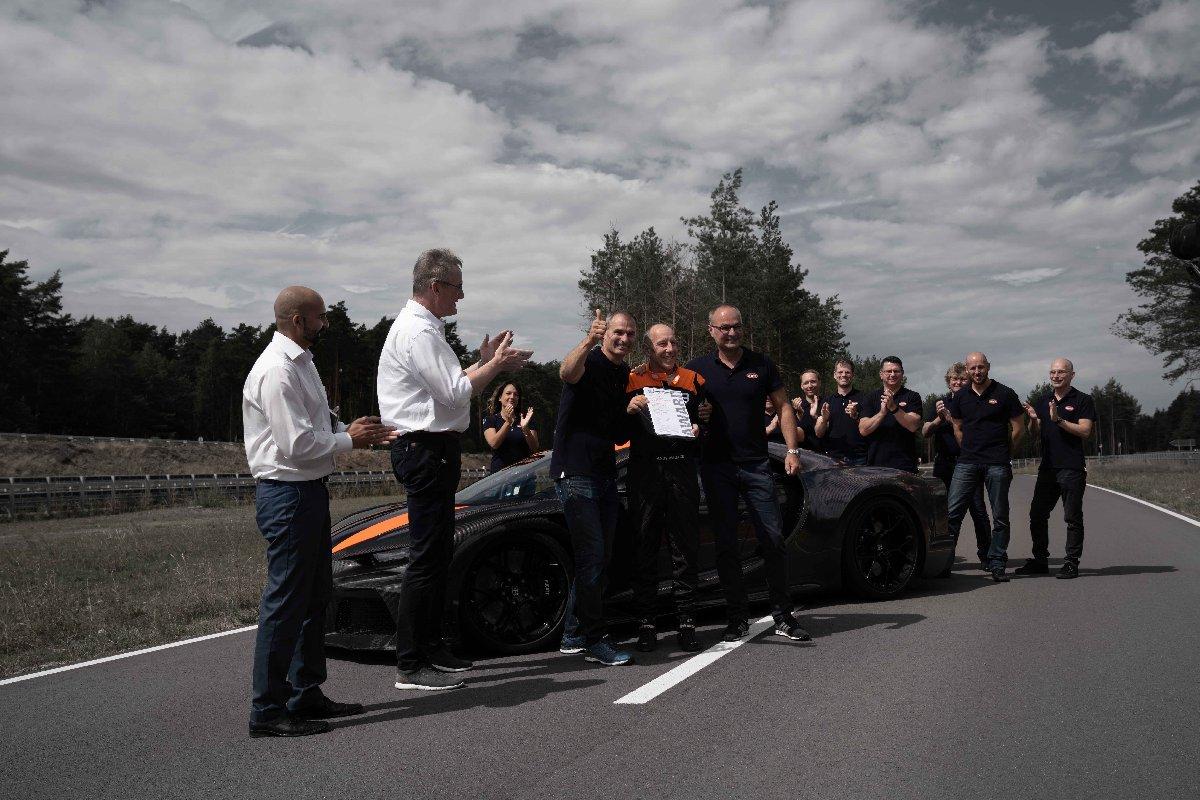 Bugatti hız rekoru kırdı
