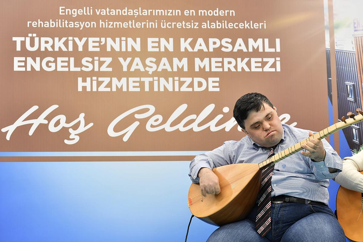 Türkiye'nin en kapsamlı Engelsiz Yaşam Merkezi Üsküdar'da açıldı!