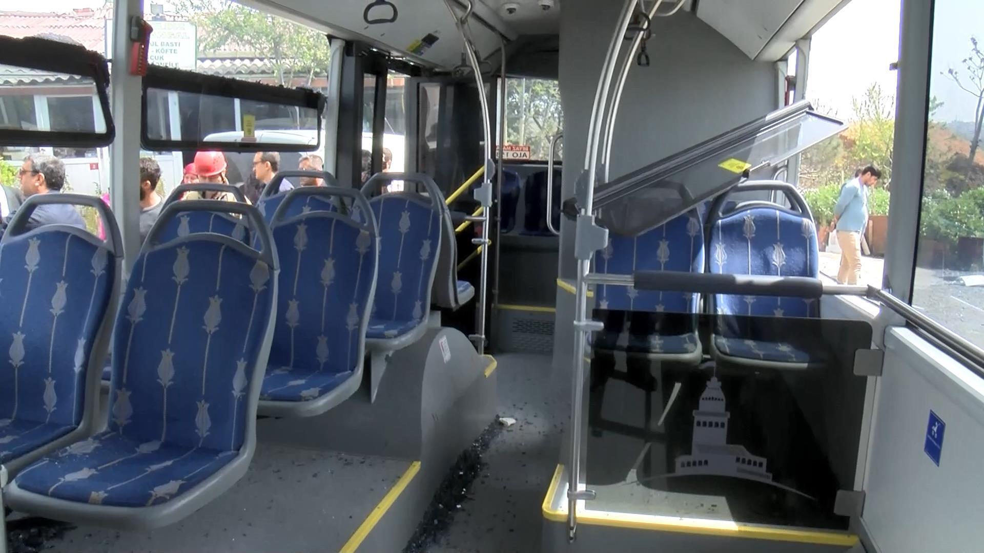 Harfiyat Kamyonu İETT Otobüsü İle Çarpıştı Çok Sayıda Yaralı Var