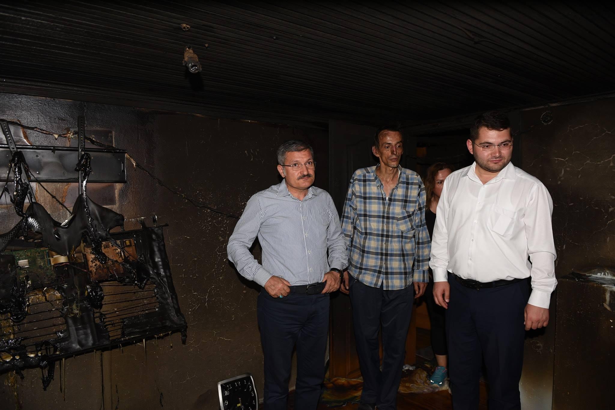 Pendik Belediyesi'nden evi yanan aileye yardım eli