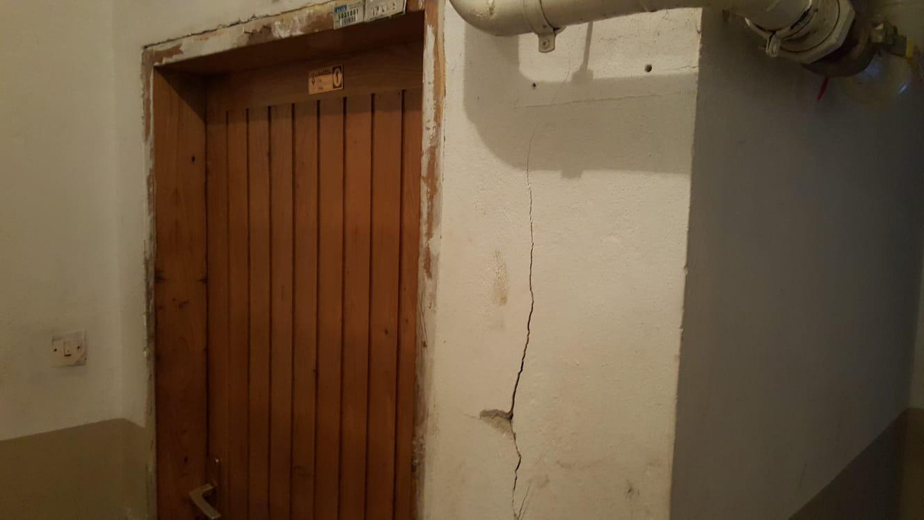 Bu sefer de Rize'deki bir apartmanda çökme tehlikesi... 8 katlı bina boşaltıldı