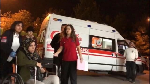 Bursa'da öğrenci yurdunda gıda zehirlenmesi: 17 kişi hastaneye kaldırıldı