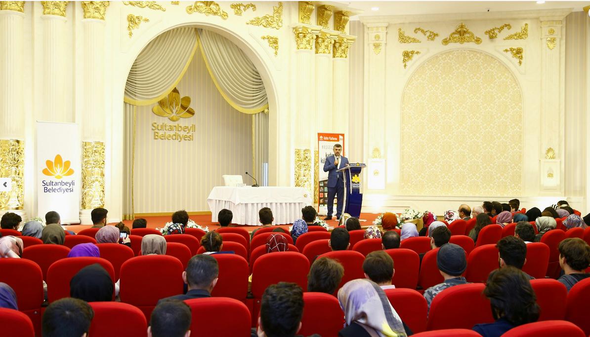 Sultanbeyli Belediye Başkanı üniversite öğrencileri ile buluştu