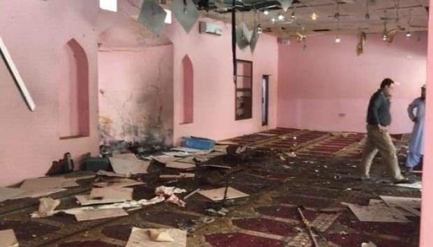 Pakistan'da Cuma namazında büyük patlama!