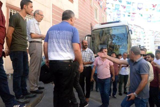 HDP'li yöneticiler ağızlarının payını aldı: Başlarım sizin Kürdistan davanıza!
