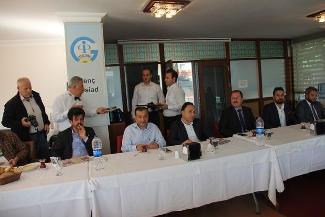 Ahmet Cin'e PESİAD Toplantısında adaylık sorusu