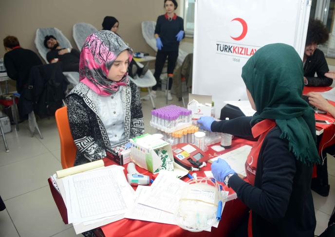 Tuzla Gençlik Merkezi 96 Ünite Kan Bağışladı