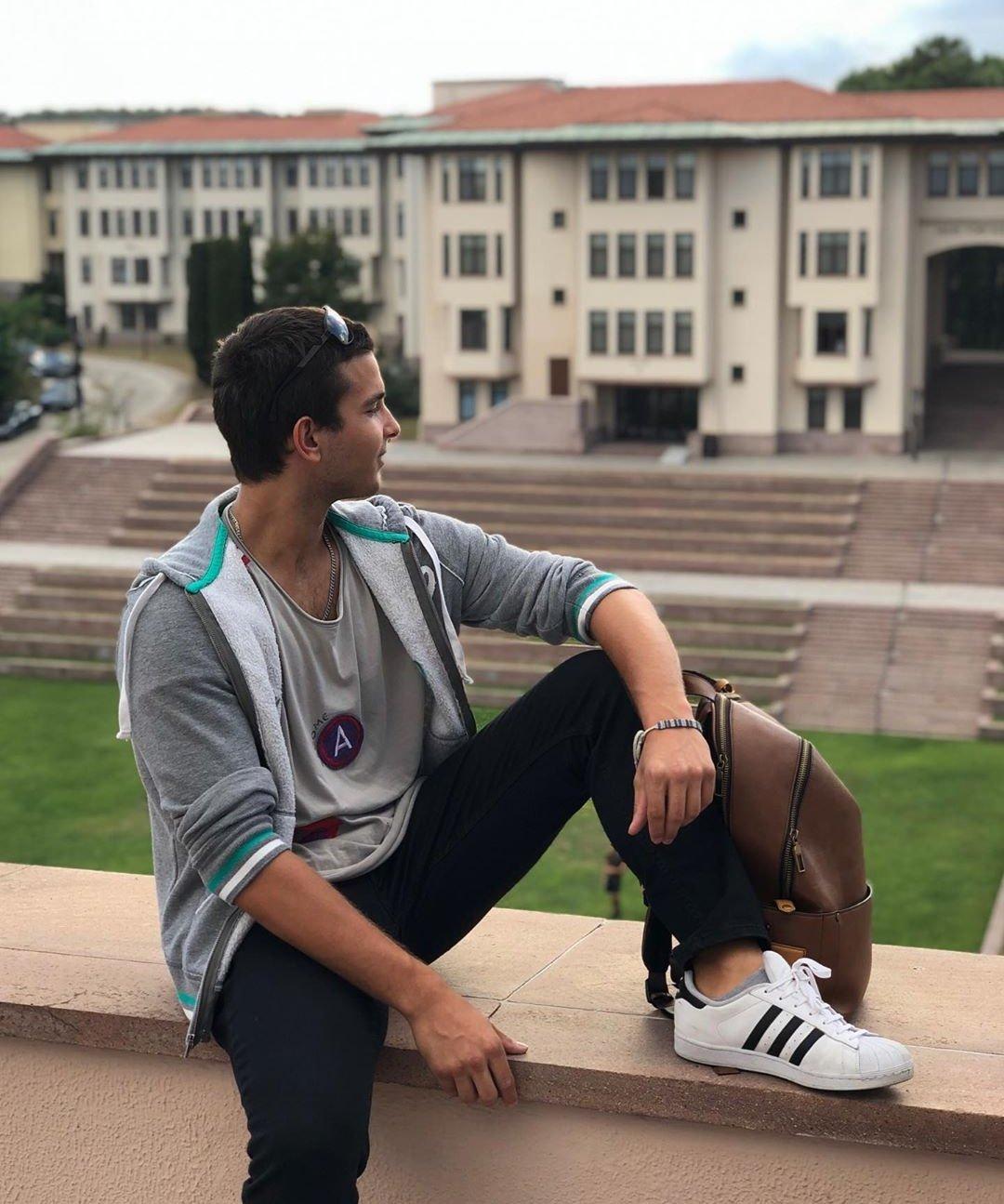 Mehmet Aslantuğ ve Arzum Onan'ın oğulları üniversiteli oldu