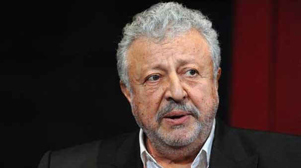 Metin Akpınar Erdoğan'a hakaret suçlamasıyla adliyeye götürülüyor