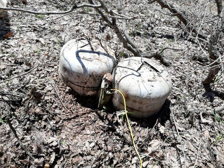 PKK'ya yönelik düzenlenen operasyonda el yapımı patlayıcılar ele geçirildi.