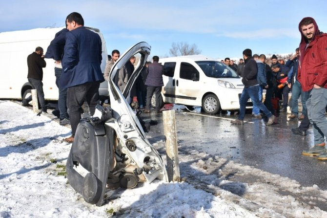 Muş'ta trafik kazası: 1 ölü, 3 yaralı