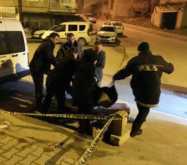 Niğde'de bıçaklanan bir kişi hayatını kaybetti