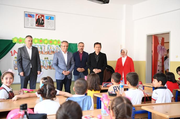 Tuzla'da düzenlenen Okula İlk Adım Seminerleri büyük ilgi gördü