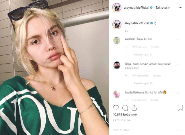 Şarkıcı Aynur Aydın, orta parmak hareketi yapan Aleyna Tilki'yi sildi