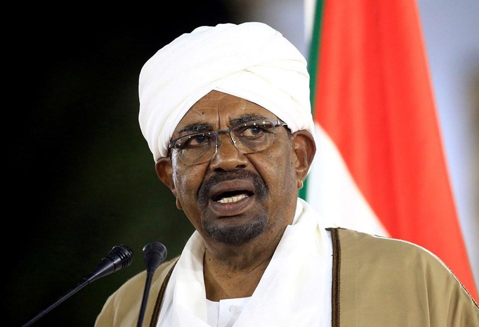 Sudan'da darbe girişimi: Ordu devlet binasını kuşattı!