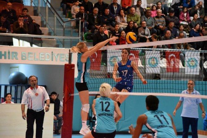 Türkiye Bayanlar Voleybol 1. Lig: Manisa BBSK: 2- THY: 3