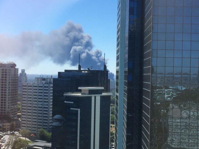 İstanbul Kağıthane'de korkutan fabrika yangını!