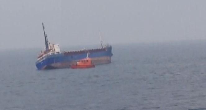 yuk-gemisi-tuzla-aciklarinda-yan-yatti-709699-664x354