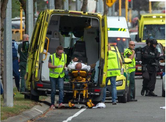 Yeni Zelanda katliamcısının mahkemede yaptığı el hareketi dikkat çekti