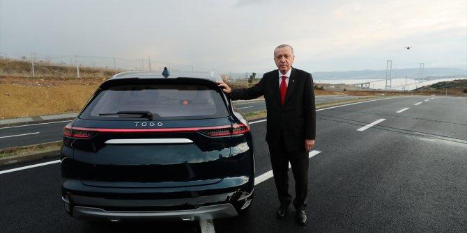 Cumhurbaşkanı Erdoğan Türkiye'nin ilk yerli otomobilini kullandı