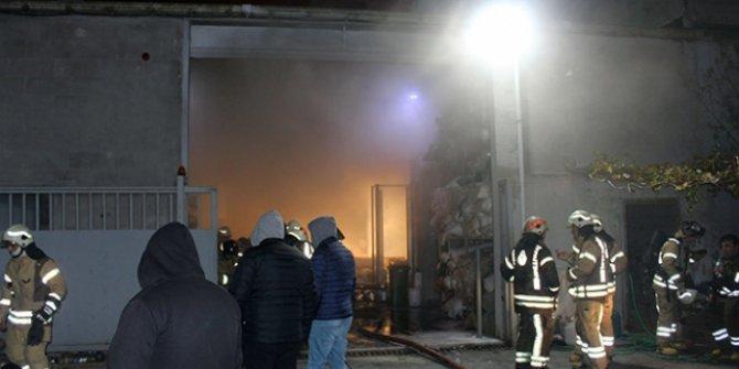 Arnavutköy'de korkutan fabrika yangını!