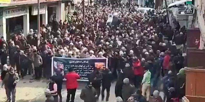 İran'da ABD'ye karşı protestolar başladı