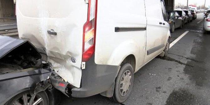 TEM'de 7 aracın karıştığı zincirleme kaza meydana geldi