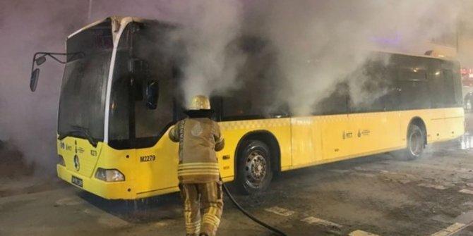 Kadıköy'de otobüs yangını!