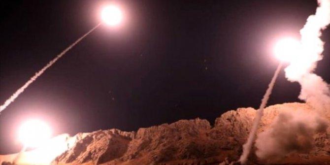 İran Irak'taki ABD askerlerinin bulunduğu iki üsse füze saldırısı düzenledi