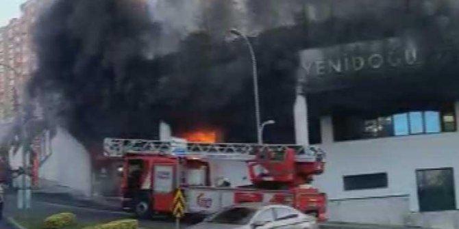Başakşehir'de bir iş yerinde yangın çıktı!