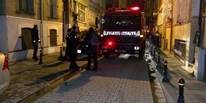 Kadıköy'de esrarengiz olay! Yangın çıkan dairenin arkasında bulundu