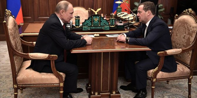 Rusya'da hükümetin istifa ettiği duyruldu