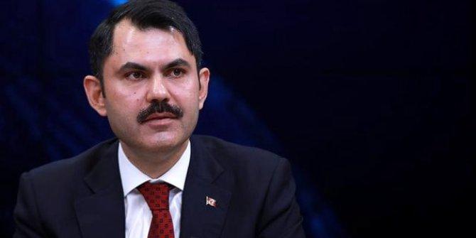 Murat Kurum'dan deprem sonrası açıklama: ''Hasarlı binalara girilmemeli''