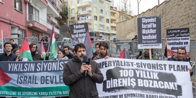 Yüzyılın Anlaşması'na protestolar sürüyor