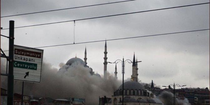 Eminönü'nde 5 katlı bir binada yangın çıktı!