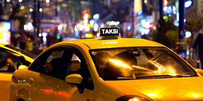 Taksici Polise küfredip üstüne yürüdü