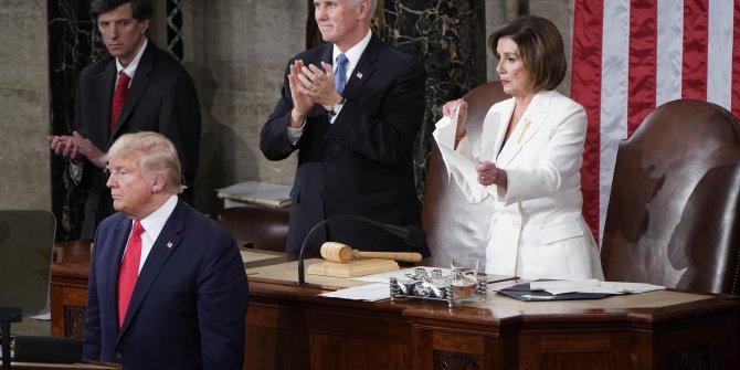 Demokrat Partili Başkan'dan Trump'a büyük tepki! Konuşma metnini böyle yırttı